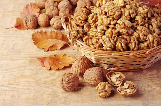 как очистить грецкий орех от скорлупы