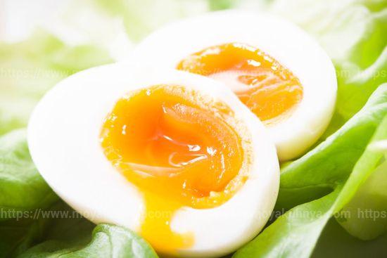 сколько нужно варить яйца всмятку