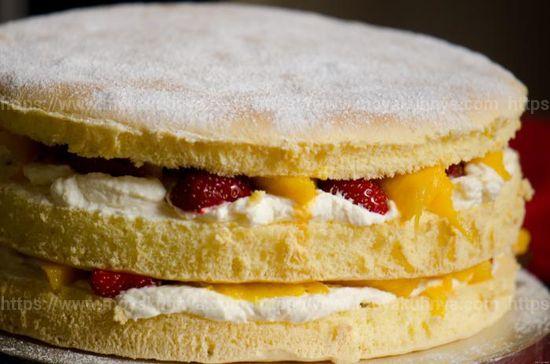 как пропитать бисквитный торт